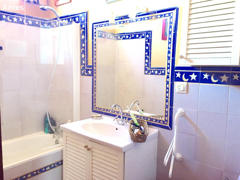 Baño antes. Modernizar los elementos de un baño es importante.