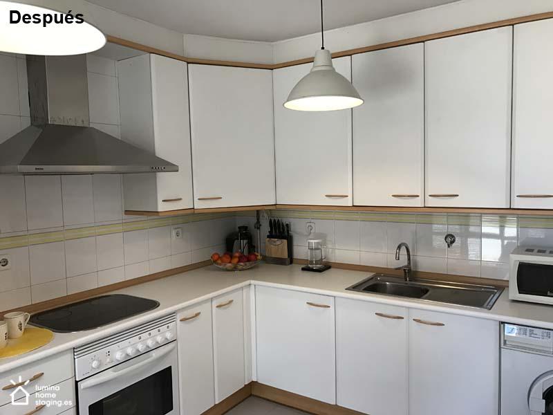 Una cocina blanca y neutra siempre atrae