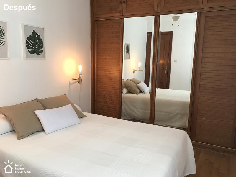 Dormitorio principal después. Con colores naturales y neutros consigues destacar la tranquilidad del dormitorio.