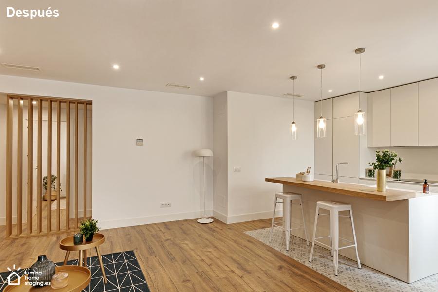Salón 2 despues. Separaciones verticales o de materiales distintos para el suelo